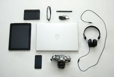 Things Organized Neatly #apple #graphic #stools #moleskine #organized