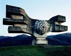 Spomenik_01.jpg 1122×886 pixels #sculpture #soviet #yugoslavia