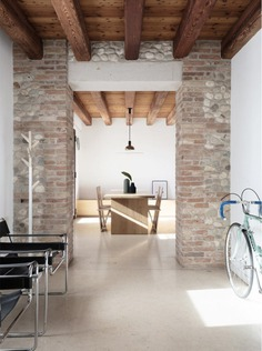 Interior Design for a Venetian Rural House / Didonè Comacchio Architects