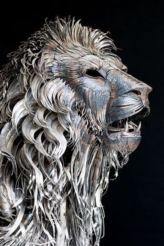 A Lion Made from 4,000 Pieces of Hammered Metal by Selçuk Yılmaz #lion #sculpture #art