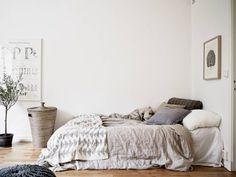 a paper aeroplane #interior #bedding #bedroom
