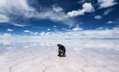 Heaven on Earth the world's largest saline-alkali soil mirror landscape / Photos earth 360 #flat #sky #de #landscape #salar #uyuni #photography #salt