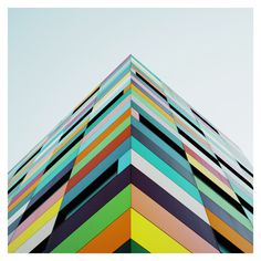 Reflexiones on Behance #building #color #geometric
