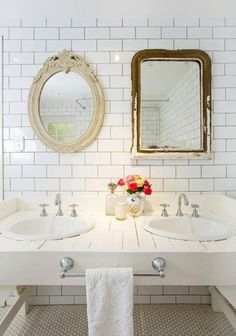 14 Ways to Decorate with Vintage Pieces in Your Bathroom | Apartment Therapy #bathroom