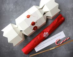 DIY crackers and contents #packaging #christmas #tutorial