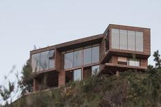 Tunquen Residence by Patricio Araya Rodriguez