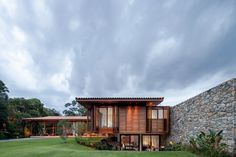 Modern country house with a Brazilian farm look