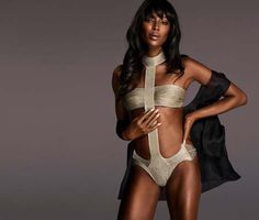 Naomi Campbell Sizzles in La Perla Made to Measure #NaomiCampbell #LaPerla #MadeToMeasure