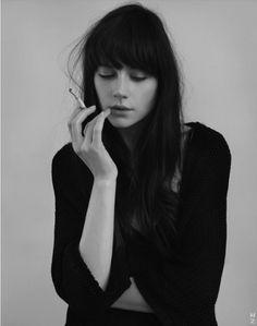 tumblr_l3b5y4E4cI1qzshtmo1_500.png (500×634) #photo #cigarette #girl