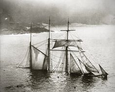 this isn't happiness™ photo caption contains external link #catastrophe #sinking #the #sea #end #sail #hip