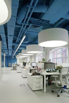 Oficinas OPTIMEDIA Media Agency / Nefa Architects