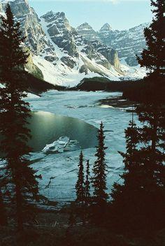 Moraine Lake, Canada #lake #canada #mountains #moraine