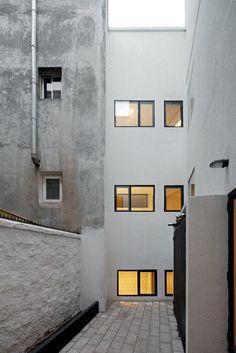 Edificio e.RC by MAPA.a. #architecture #minimalist #mapaa