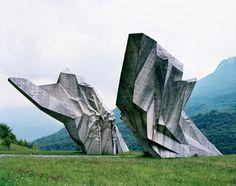 Spomenik, Tjentište