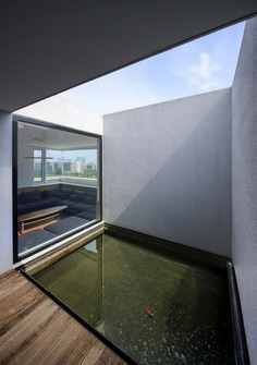 Roof House / BWAO