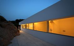 House on the Cliff by Fran Silvestre Architectos #architect