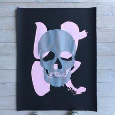 💗💀 / silver pink on black.... #blackliststudio