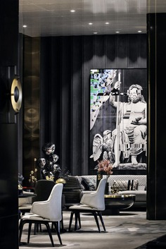 Perfect Interpretation of Playful Art in a Dramatic Space