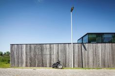 #House in Knokke with #barnwoodsiding. #ResidenceDBK by #GovaertAndVanhoutteArchitects. Photo by #TimVanDeVelde. #woodensiding #contemporary