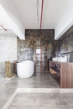 Industrial Warehouse Converted into a Family Home and Creative Workshop Space 3