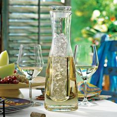 Chilling Carafe With Ice Sleeve #gadget
