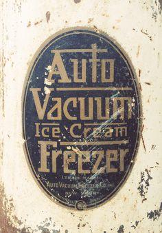 typehunting.com #vintage #typography