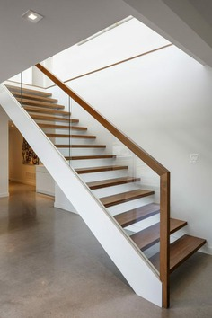 originales escaleras de estilo minimalista