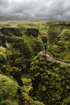 fjaðrárgljúfur, iceland. no idea how to say that word...