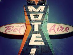 bel+aire+vintage+motel+neon+sign.jpg 490×368 pixels #sign #aire #signage #hotel #motel #bel
