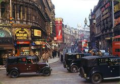 Shaftesbury Avenue from Piccadilly Circus, London (1949)