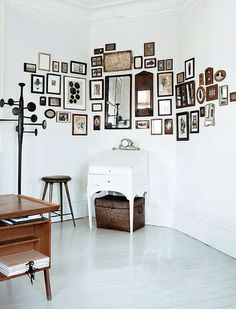 gallery wall vignette #interior design #decoration #decor #deco
