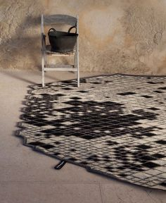 Wool Rug With Geometric Shapes
