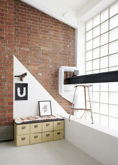 An Old Metal Workshop Becomes A New Studio Photo #interior #design #decor #deco #decoration
