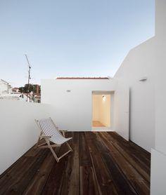 Apartamento em Santa Catarina by Aspa. Photo by Fernando Guerra. #aspa #fernandoguerra #roofterrace