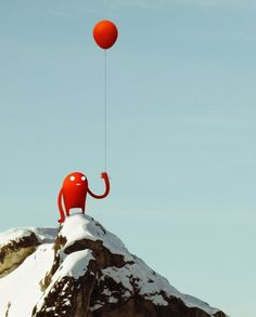 Vacances d'Hiver | Sylvain Ollier #design #photography #red #character #orange #illustraion #mousntain