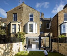 British House Completely Renovated by Scenario Architecture / Scenario House
