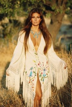 everyday_i_show: A Woman We Love: Raquel Welch