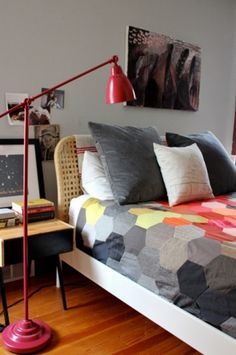 tumblr_llcul7Gvo21qa0l1to1_500.jpg (466×700) #lamp #hexagons #color #photography #bed