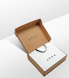 progress-packaging-atea-carrier-bags-luxury-fashion-ecommerce-corruagated