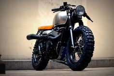 macco motors: TRIUMPH SCRAMBLER CAFE TRACKER BY VINTAGE RACERS