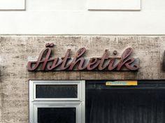 An urban alphabet of Vienna / Ulrich Kehrer