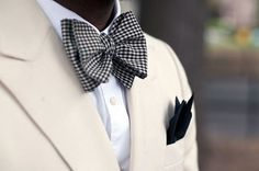Well-Groomed: Style Snapshot: Graphic Gingham #pocket #bowtie #square #boys #fashion #bow #tie