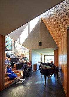 Split House – Two Volumes Linked by a Splayed Stair