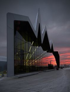 CJWHO ™ (Riverside Museum by Zaha Hadid Architects |...)