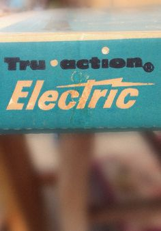 Type Hunting #electric #logo