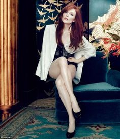 Merde! - honeysuckleandhearts: Julianne Moore makes 50... #fashion #julianne #photography #moore