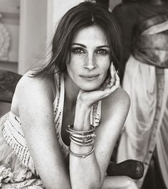 Elle-August-2010-(2).jpg (JPEG Image, 532x600 pixels) - Scaled (96%) #photography #julia #roberts