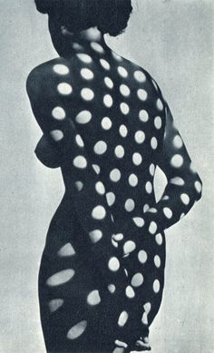 The Surreal and Vintage Photography of Heinrich Heidersberger: heinrich-heidersberger-kleid-aus-licht-vestido-de-luz-008.jpg #white #woman #shade #nude #black #dots #back #photography #light #silhouette #and #polka #dot #shadow