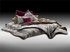 Art design for bed linen #accessories #artistic #collection #home #furniture #cavalli #art #roberto