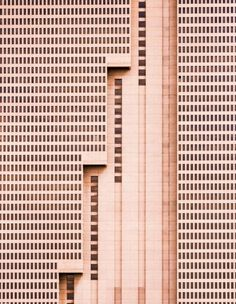 ARCHITECTURE PHOTOGRAPHY: 'DIMENSIONLESS' PHOTOGRAPHIC FAÇADE STUDIES BY NIKOLA…